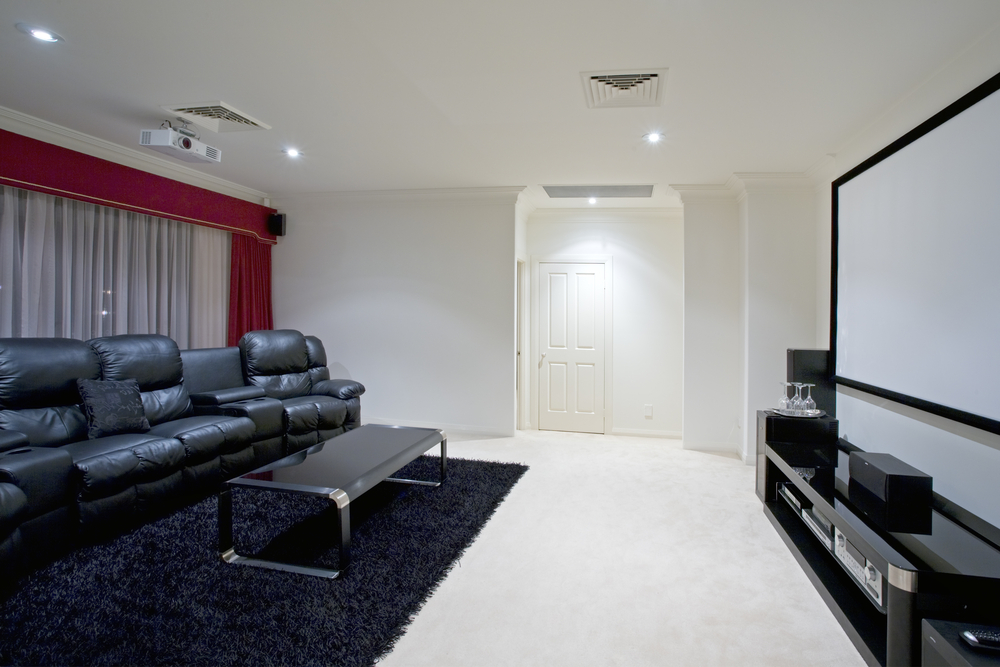 5 Advantages of a Home Theater